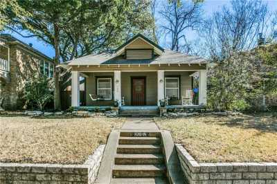 Sold Property | 106 N Clinton Avenue Dallas, Texas 75208 1
