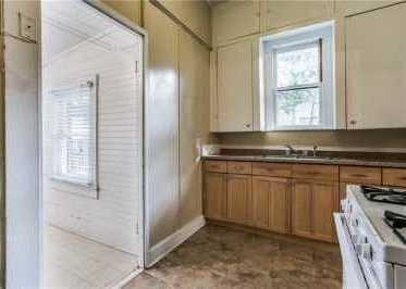 Sold Property | 6011 Worth Street Dallas, Texas 75214 15