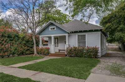 Sold Property | 6011 Worth Street Dallas, Texas 75214 3