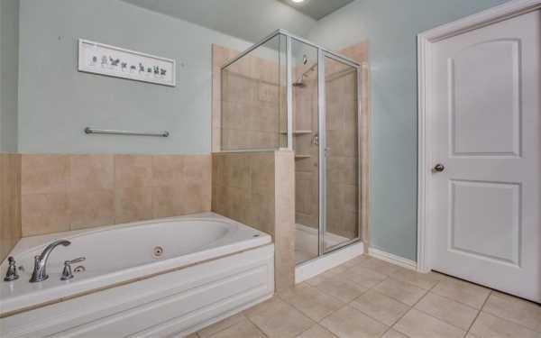 DFW Real Estate   2332 Janna Way Carrollton, Texas 75006 19