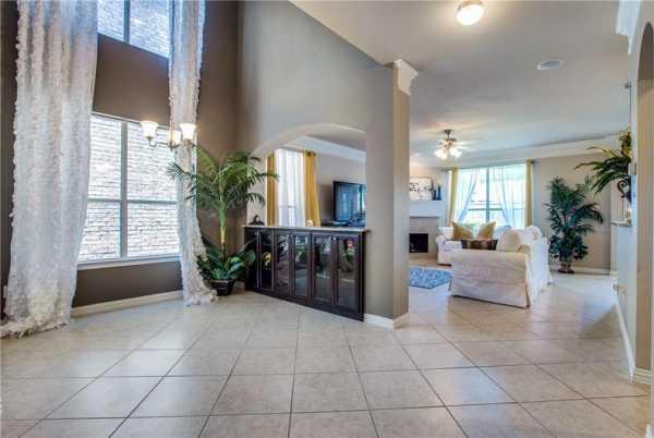 DFW Real Estate   2332 Janna Way Carrollton, Texas 75006 5