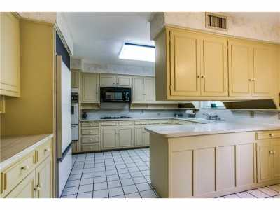 Sold Property | 4213 Hildring Drive Fort Worth, Texas 76109 8